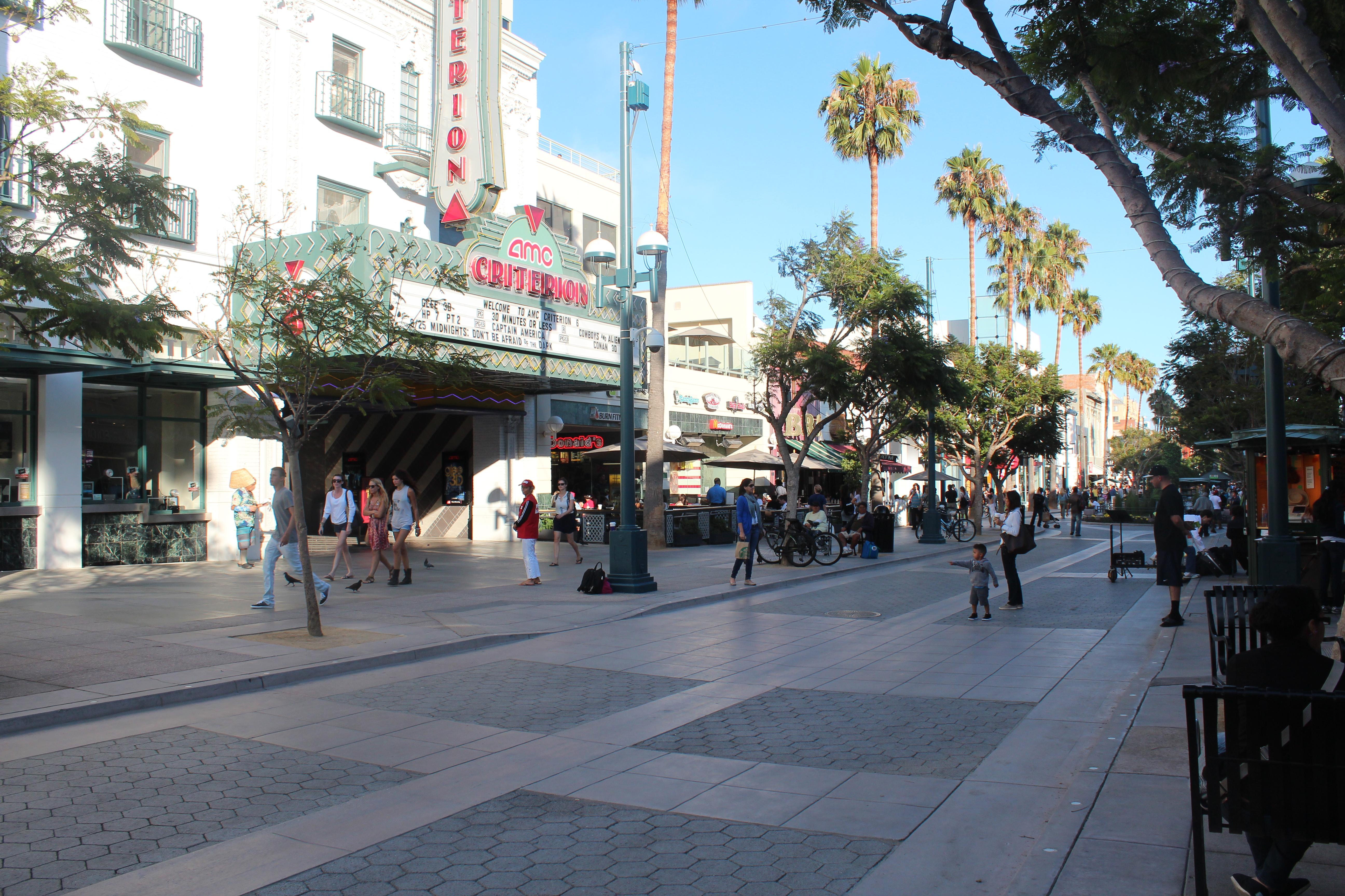 Cinema na 3th St Promenade.